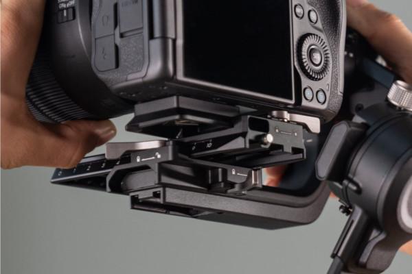 DJI RSC 2「2層式カメラマウントプレート(Manfrotto + Arca-Swiss)」の画像
